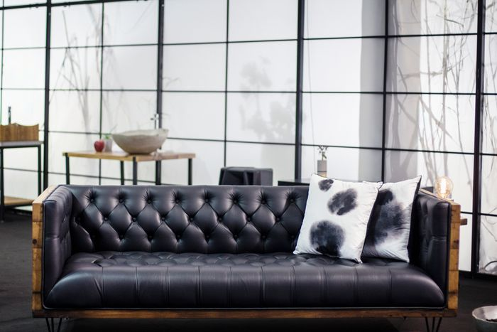 Groovy How To Keep Your Leather Couch Looking Brand New Mt Alphanode Cool Chair Designs And Ideas Alphanodeonline