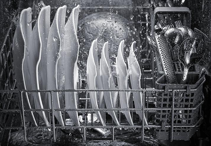 Experience the Wonder of a KitchenAid Dishwasher