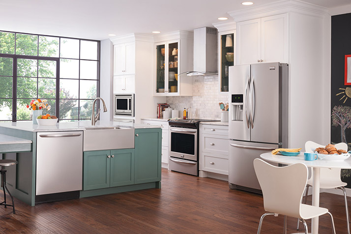 Clean Your Dishes Right with a Frigidaire Dishwasher