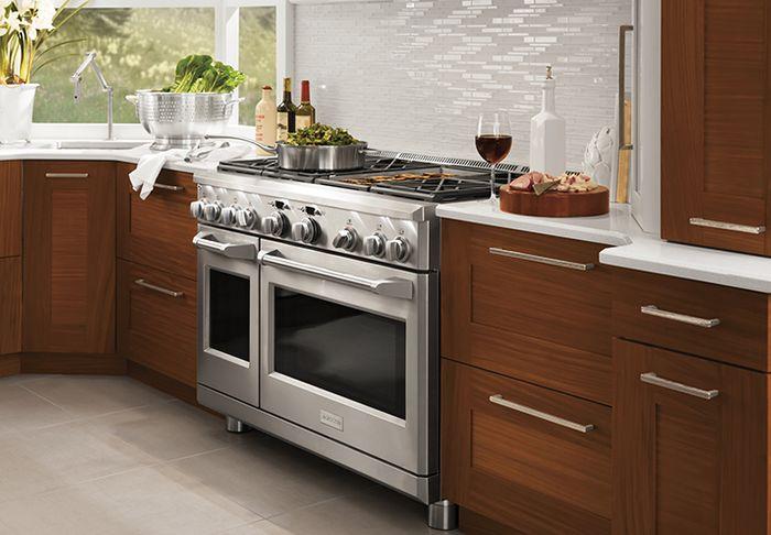Monogram\'s High End Kitchen Ranges Home Appliances, Kitchen ...