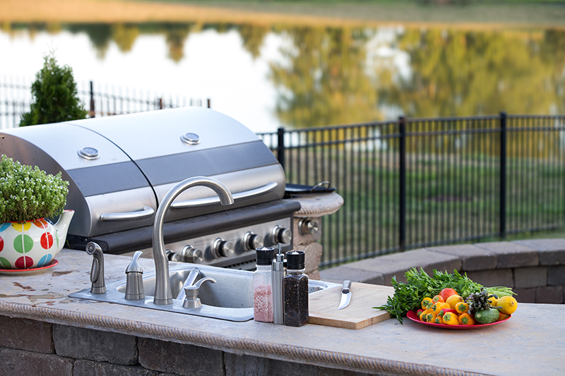 Start your Summer Right with an Outdoor Kitchen!