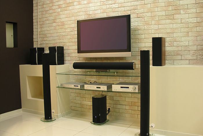 Want Better Sound? Tips on Optimal Speaker Placement