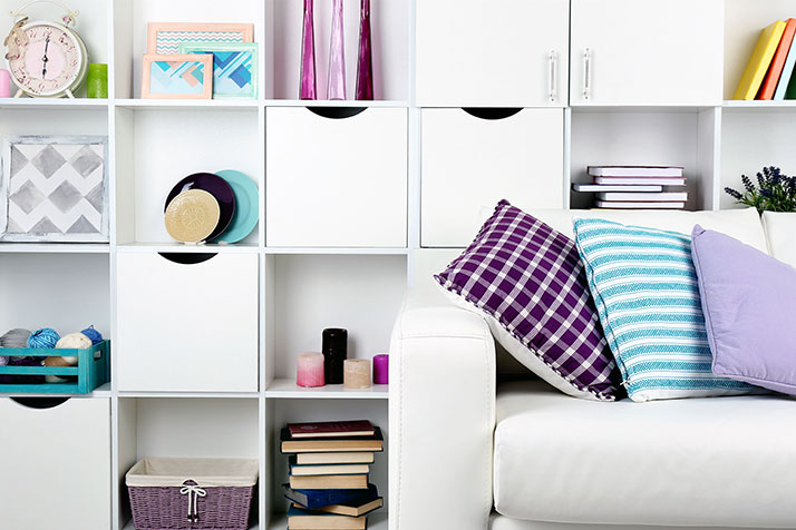 Style and Decorate Your Bookshelf with These How To's