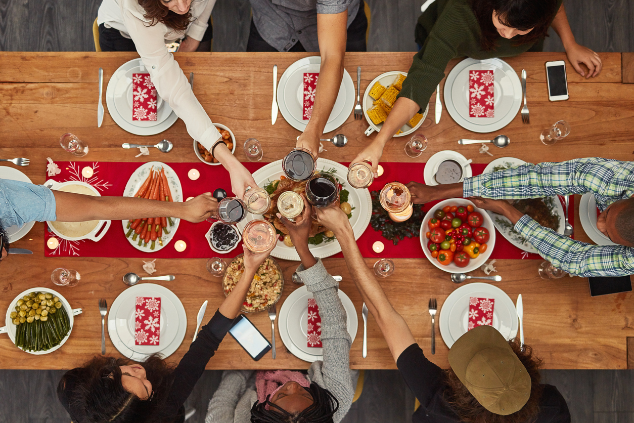 5 Amazing Ideas for Decorating Your Home this Friendsgiving