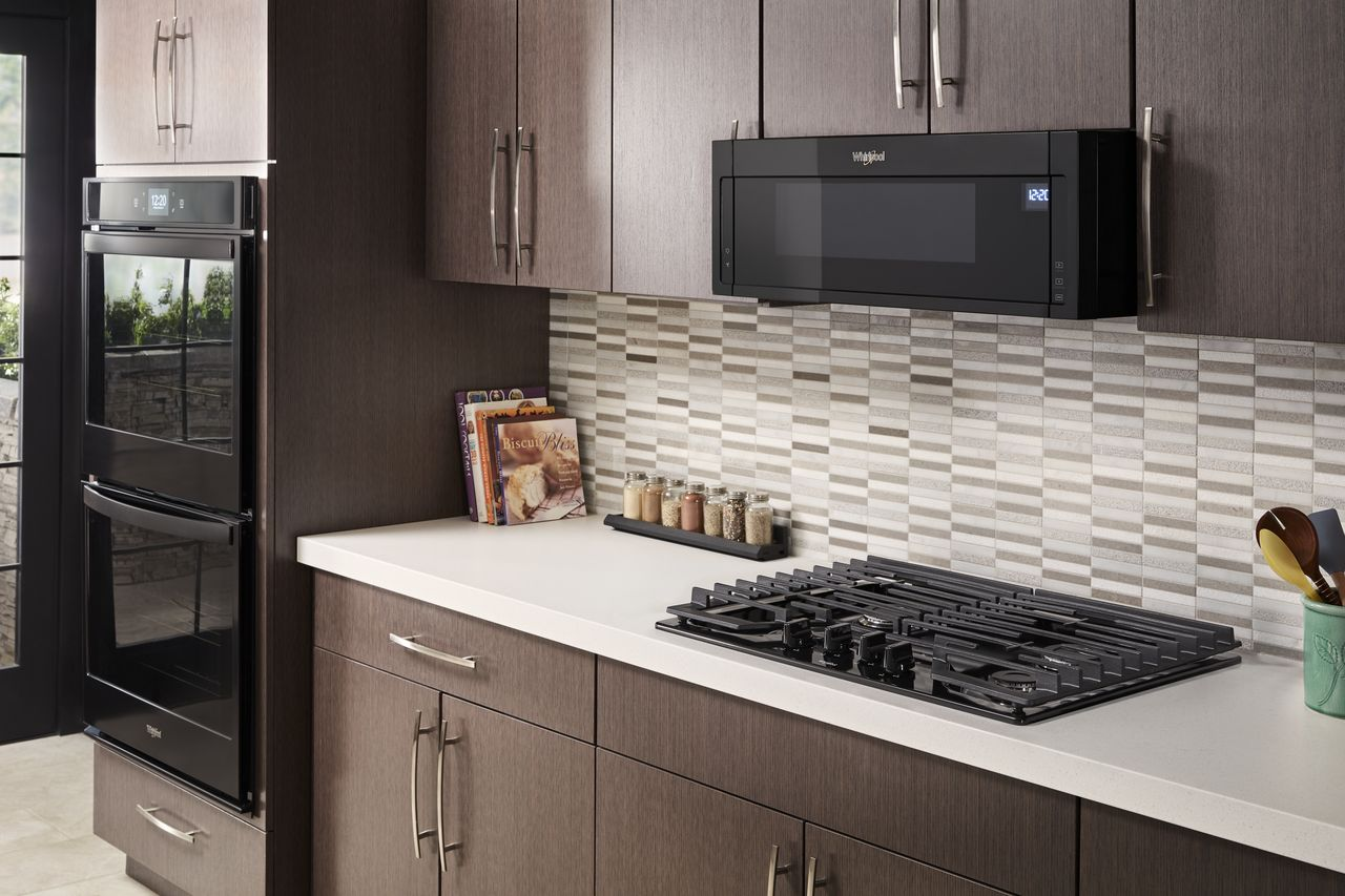 Size Doesn T Always Matter Whirlpool Low Profile Microwave Hood Combo