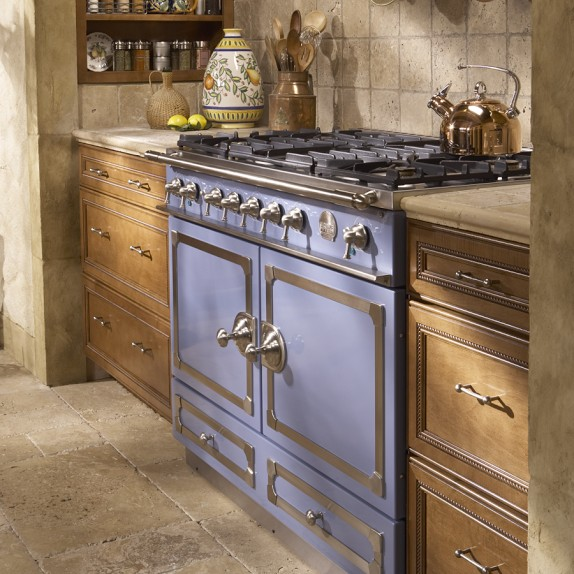 Why Many People Choose Colorful Ranges