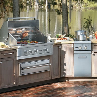VIKING Professional Outdoor Kitchen