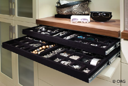 Accessories Gallery Image 1
